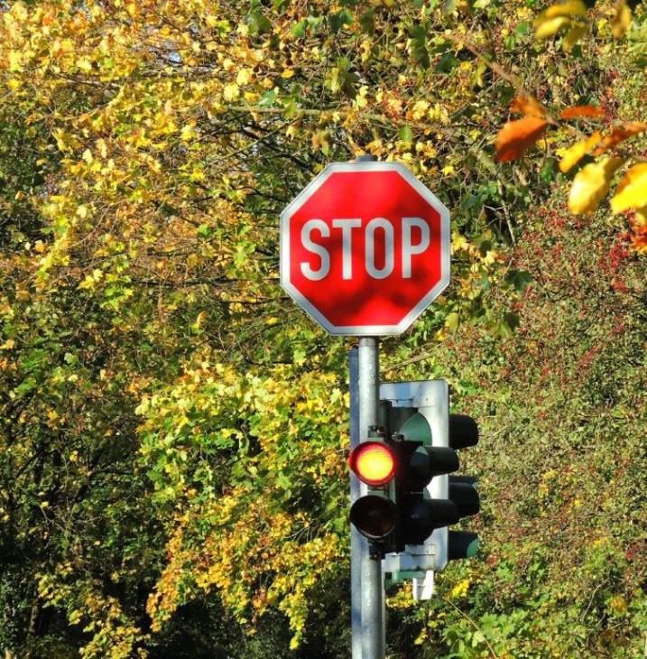 Die Ampeln stehen auf Stop! (Foto © -jübu-)