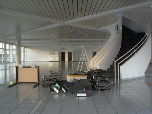 Eine Treppe, die leere Aktenordner erbrochen hat? Foto &copy G. Kolberg