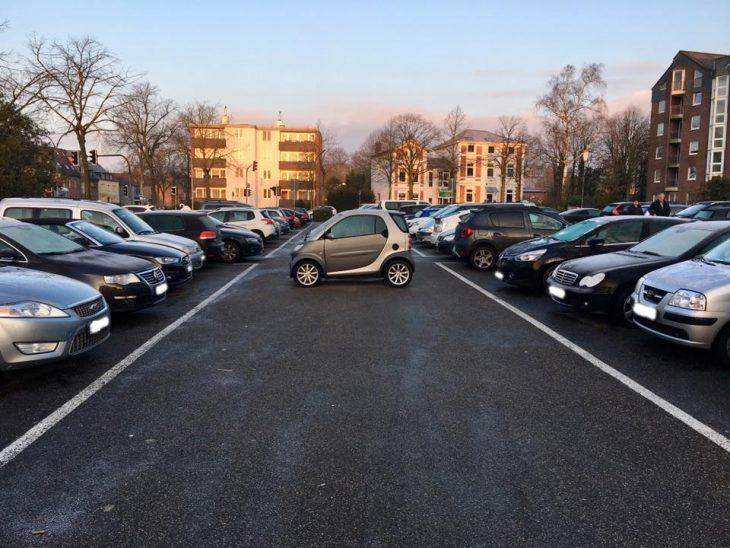 Ein Wintertraum: Parkplatz Linde