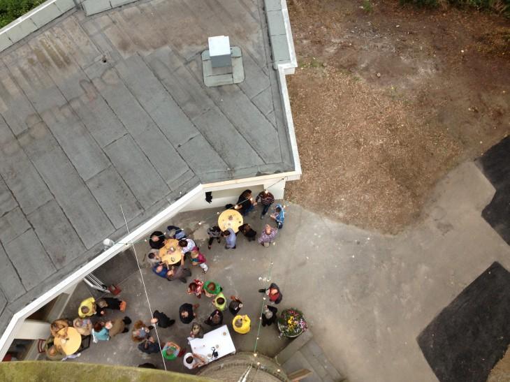 Empfang, von oben betrachtet (Foto: © Eckart Meinert)