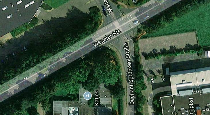 Abbiegevorgang mit tödlichen Folgen: Dechant-Sprünken-/Weseler Straße (Foto: Google Maps)