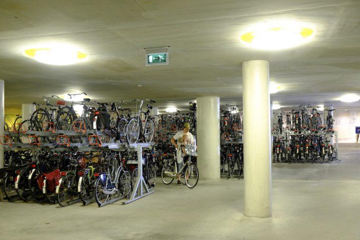 Bewachte (!) Tiefgarage (!) für 4500 (!) Räder in Arnheim