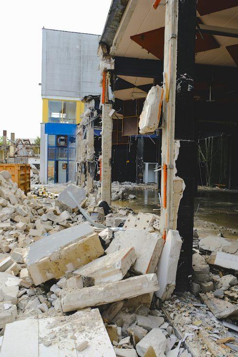Seit heute werden die alten Bensdorp-Gebäude abgerissen