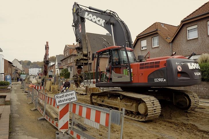 Loock-Baustelle an der Waldstraße: Im Reich der roten Bagger