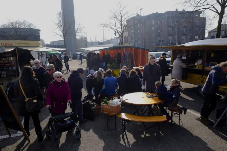 Deutschland, fünf vor halb elf: Entspannung bei der Milchkaffeefraktion
