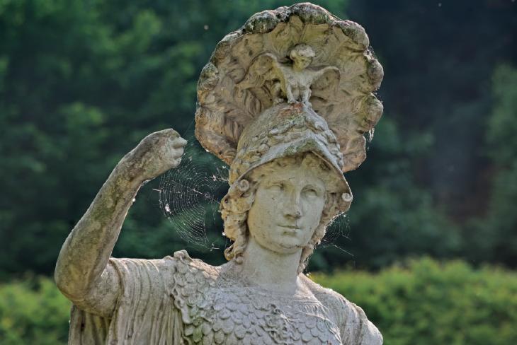 Schöne Dame ohne Speer:  Wer macht denn so was? (Foto © Udo Kleinendonk)
