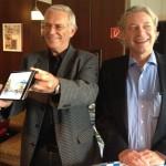 Investor auf dem iPad: J. Cosar, Udo Janssen