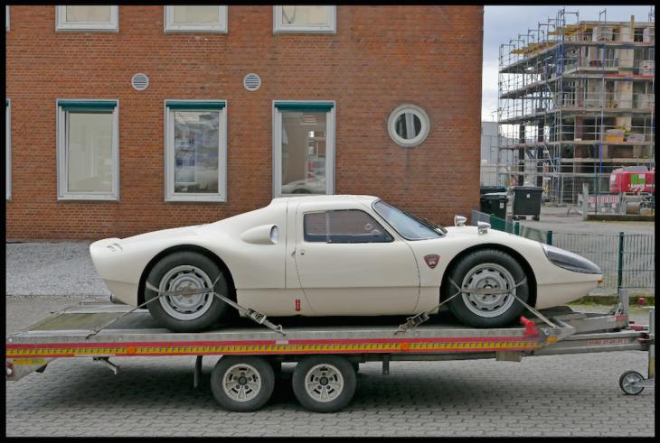Vermutlich derzeit das teuerste Auto in der Stadt: Dieser Porsche 904 GT bringt auf dem freien Markt 1,5 Millionen Euro, z. Zt. in einer Schönheitsklinik