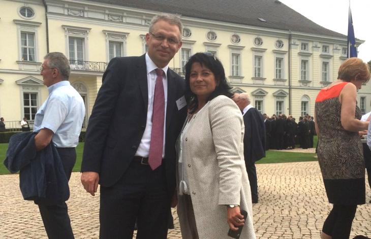 Klever unter sich: Sonja Northing mit Karl-Heinz Unkrig, der im Bundespräsidialamt arbeitet