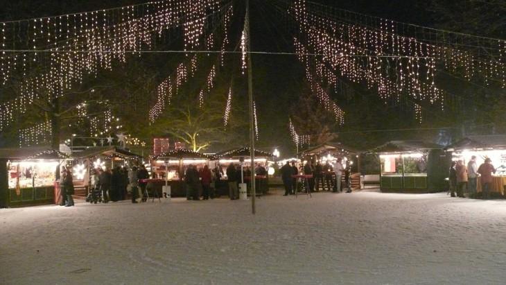 Ein Bild aus früheren Tagen (vor der Klimakatastrophe): Weihnachtsmarkt im Forstgarten (Foto © Stadt Kleve)
