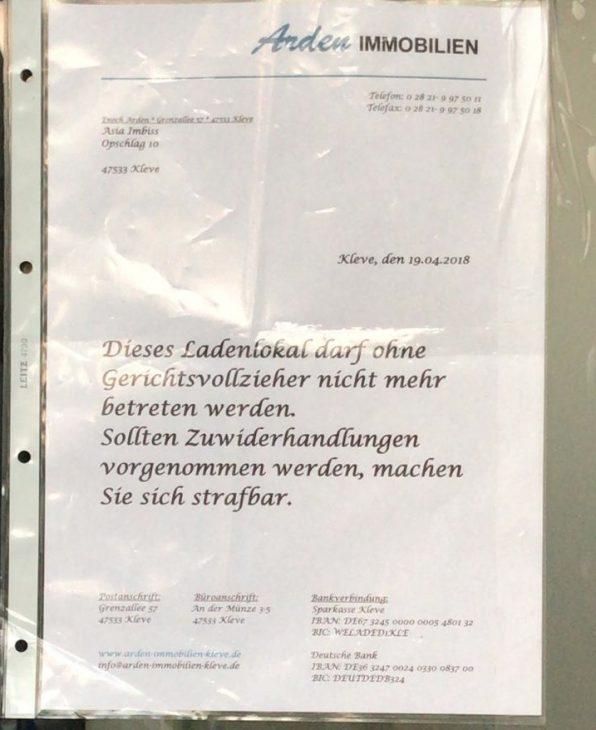 Die verspielte Schriftart, nach meinem Dafürhalten Lucida Calligraphy, täuscht etwas über den rüden Charakter der Botschaft hinweg (Foto: FW)