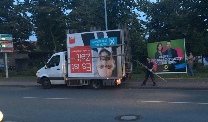 Abgang um 19:45 Uhr: Martin-Schulz-Plakate werden demontiert